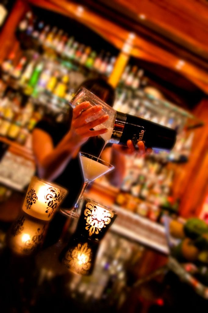 shaker-pour